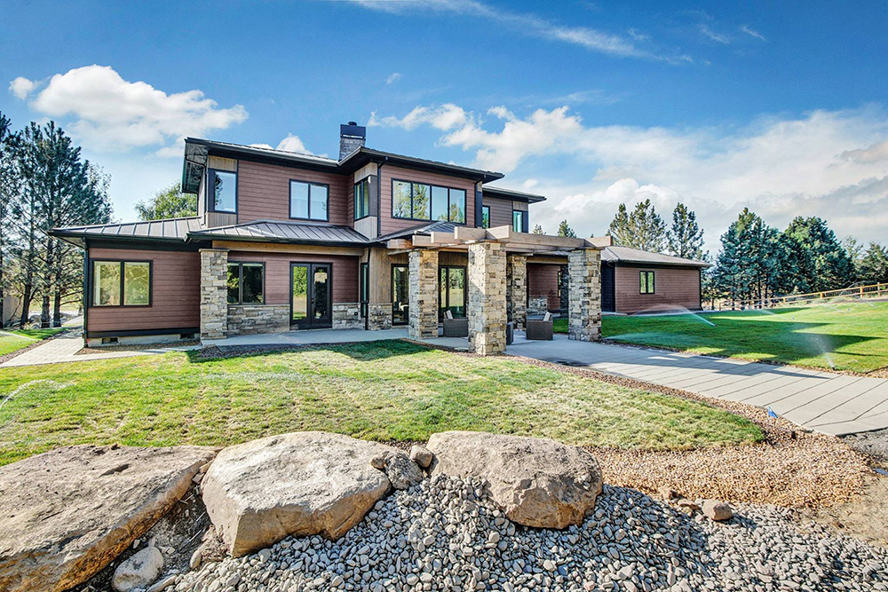 Award Winning Tumalo Prairie Style Home